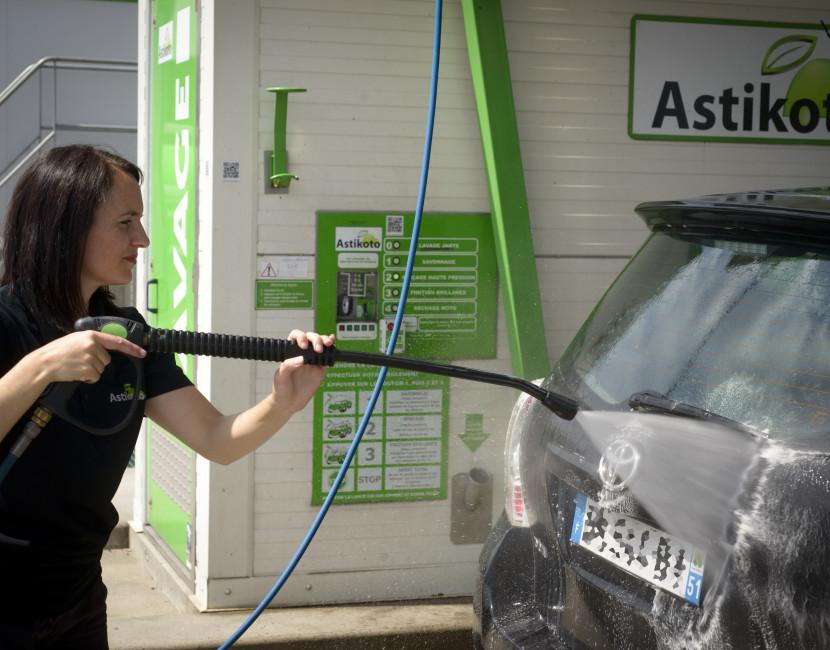 Laver sa carrosserie à la haute pression