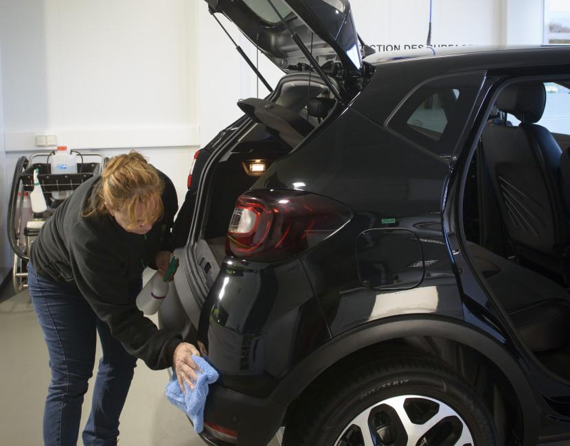 Importance du lavage approfondi de la carrosserie