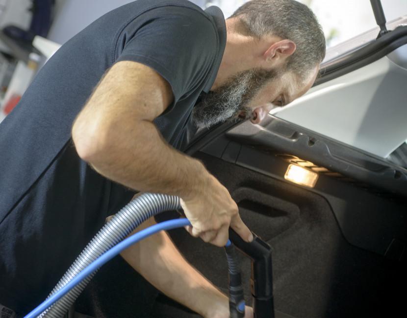 Nettoyage intérieur coffre véhicules