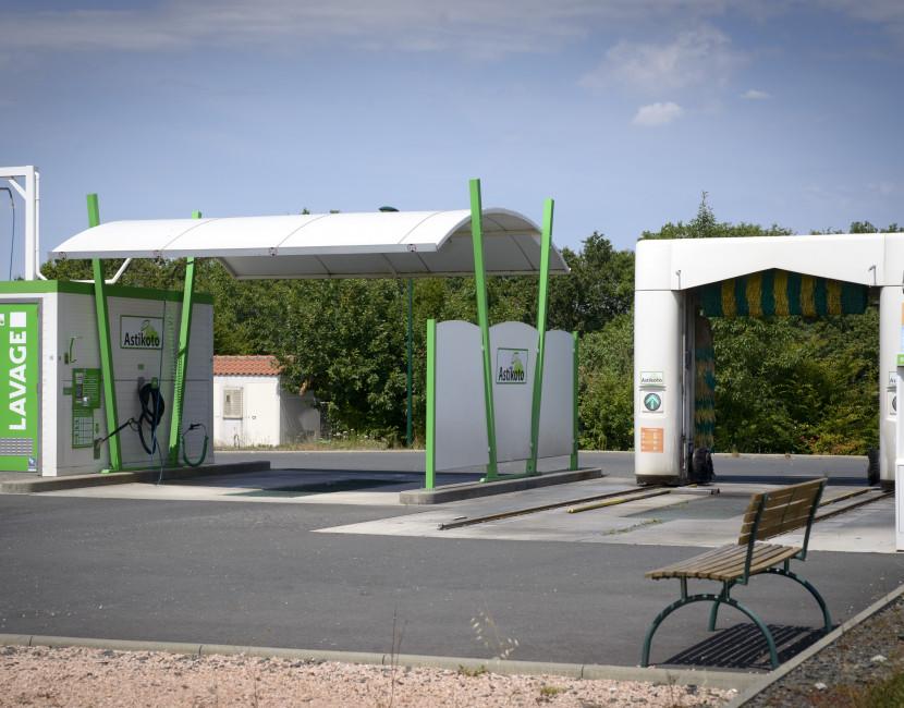 Astikoto à Remouillé dispose de pistes haute pression et d'un portique