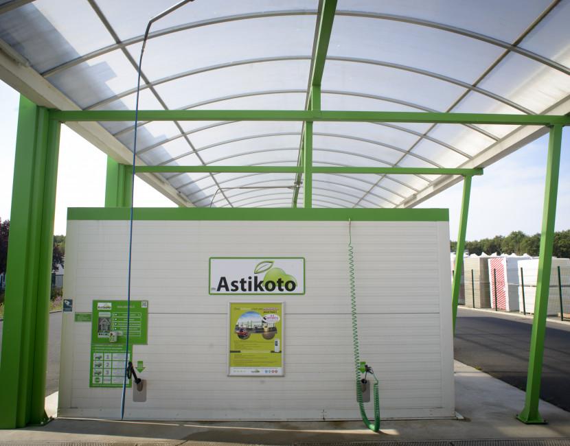 Les camping-cars peuvent être lavés à la haute pression chez Astikoto